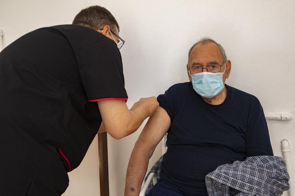 Entre Ríos empezó a vacunar contra la gripe a los grupos priorizados.