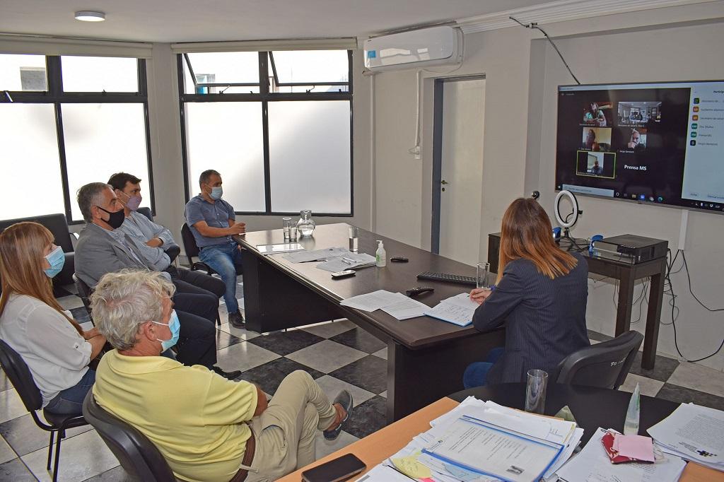 Salud se reunió con las UGL PAMI de Paraná y Concordia para optimizar la atención sanitaria.