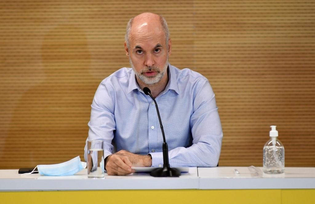 Denuncian a Rodríguez Larreta por no acatar el fallo federal que le ordenó suspender clases presenciales.