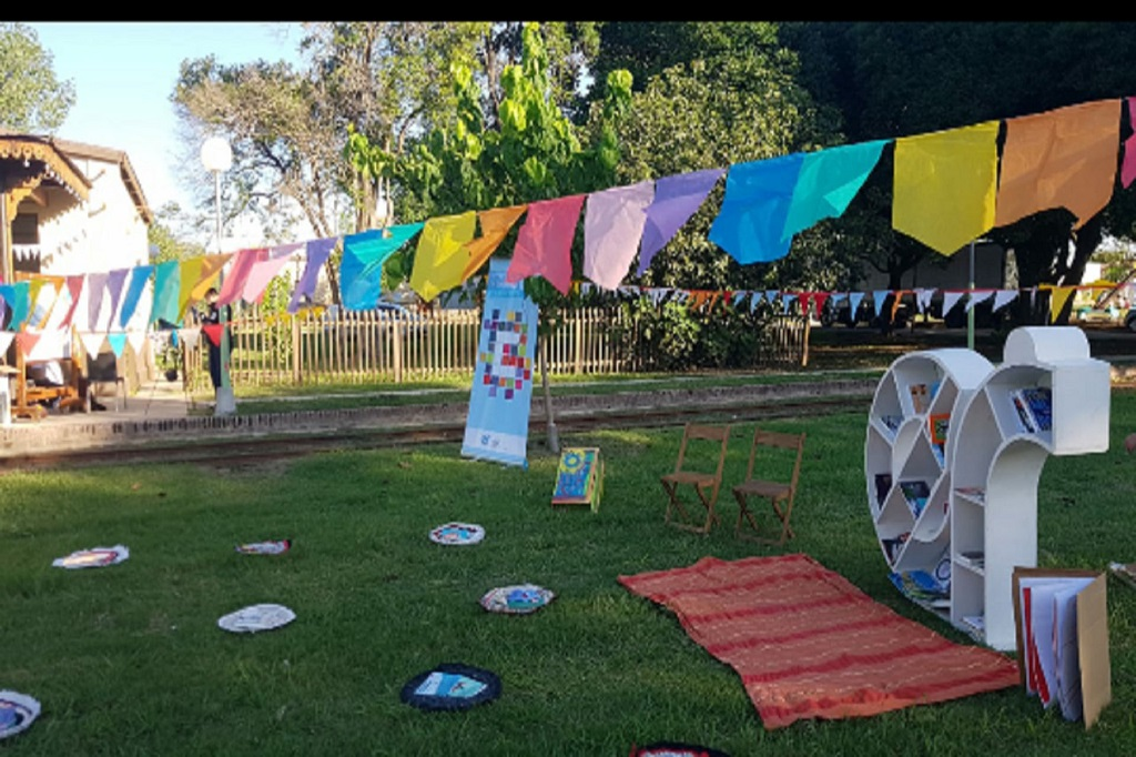El Bibliomóvil realizará actividades en barrios de Paraná.